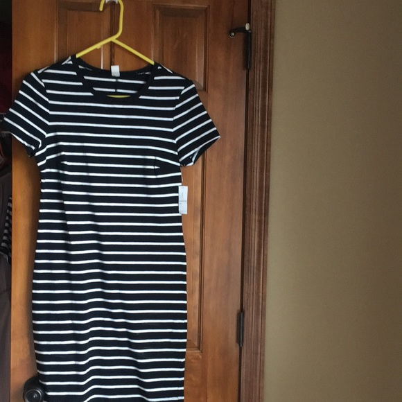 Old Navy Dresses & Skirts - Dress new with tags!